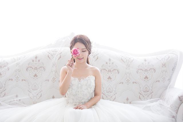 結婚挨拶の服装は?女性が自分の親に挨拶へ行く場合はどうする?